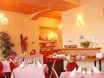 <a href='/czechia/hotels/jeandecarro/'>Jean De Carro Hotel</a> 4*